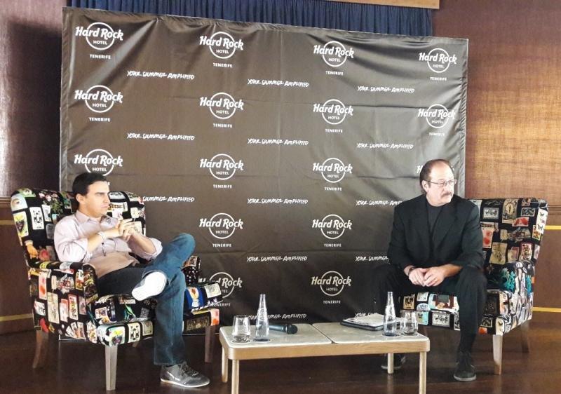 De izq. a dcha, Abel Matutes, director general de Palladium Hotel Group; y Jon Lucas, vicepresidente de Operaciones de Hoteles y Casinos de Hard Rock.