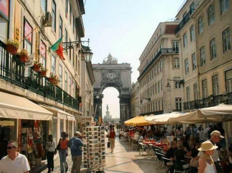 En Lisboa se observa hasta el pasado mes de mayo un ligero descenso en el número de turistas alojados en hoteles, consecuencia de la competencia de Airbnb.