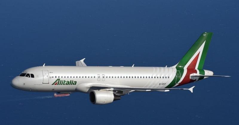 Alitalia negociará con los sindicatos una reducción de costes radical