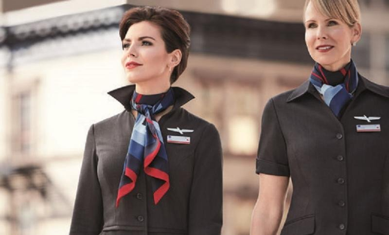 Miles de tripulantes de American se rebelan contra los nuevos uniformes
