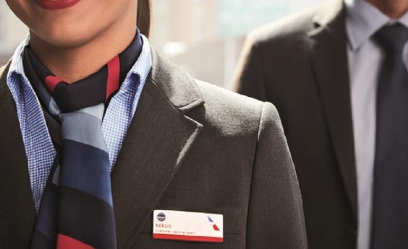 Más de 70.000 trabajadores de primera línea recibieron los nuevos uniformes.