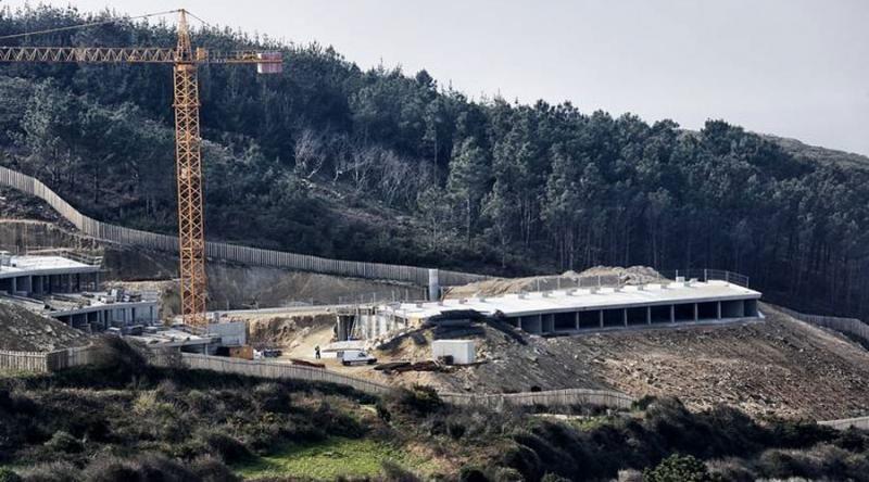 Las obras del Parador de Muxía costarán 1,7 millones menos. (Foto: Xesús Búa, La Voz de Galicia)