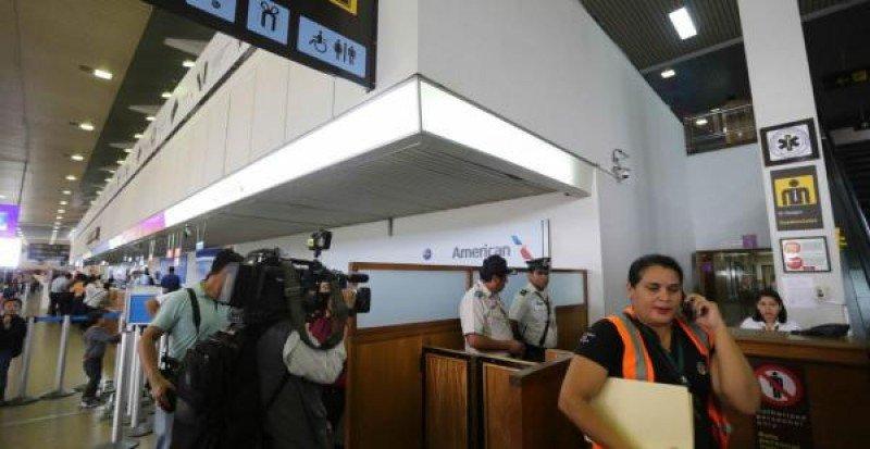 Autoridades bolivianas realizaron allanamientos para investigar el accidente de LaMia. Foto: El Deber