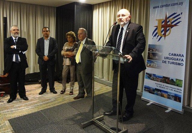 Ideas proactivas y un plan profesional de trabajo, convicciones de Juan Martínez, reelecto presidente.