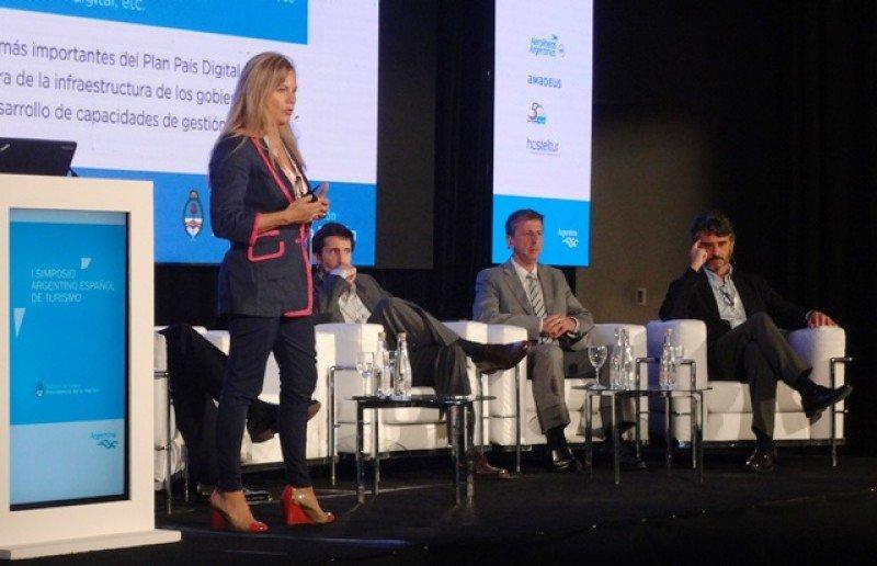 Laura Borsato expuso sobre la actualidad de Argentina.