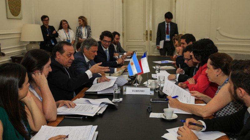 Argentina propone a Chile crear circuito patagónico conjunto.