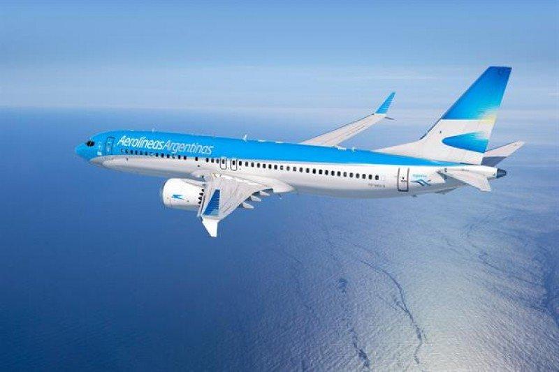 Aerolíneas Argentinas firma acuerdo con Boeing para sumar aviones MAX