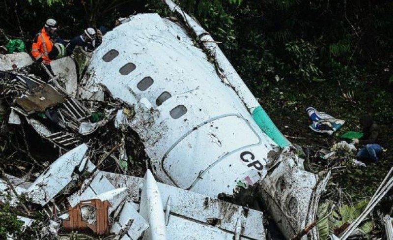 Tragedia del Chapecoense: combustible limitado y exceso de peso, según Aerocivil