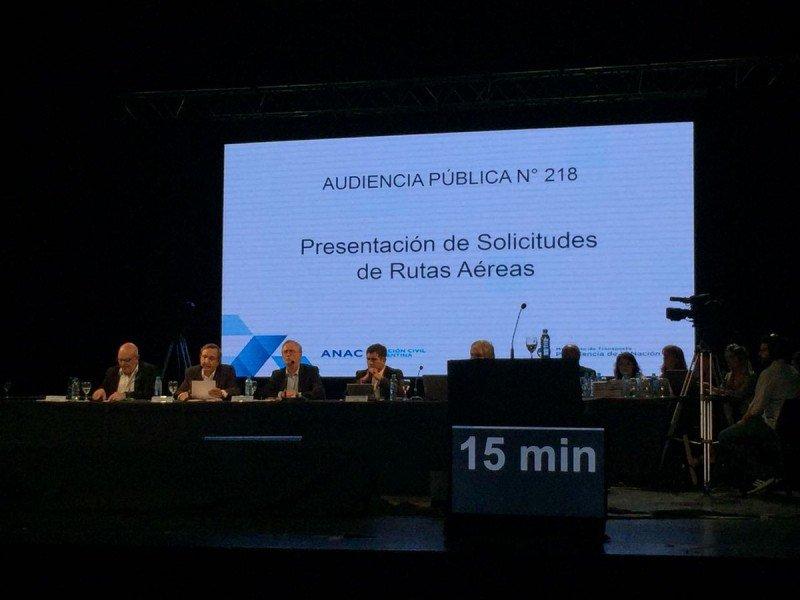 Argentina: promesas, acusaciones y desconfianzas en la audiencia por rutas aéreas