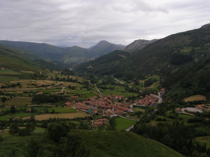 Carmona es una localidad situada en el municipio de Cabuérniga.