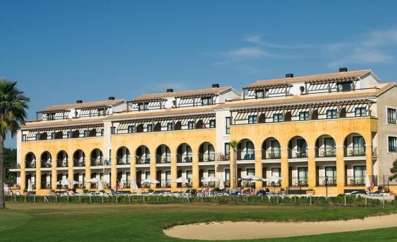 El Costa Ballena Hotel es una de los activos de Merlin Propierties.