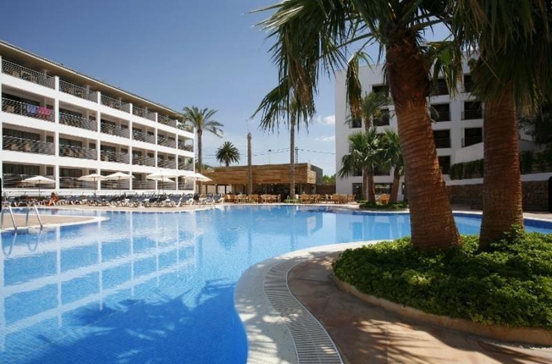 Fergus ha creado la marca ALEGRIA para gestionar sus hoteles de la Península