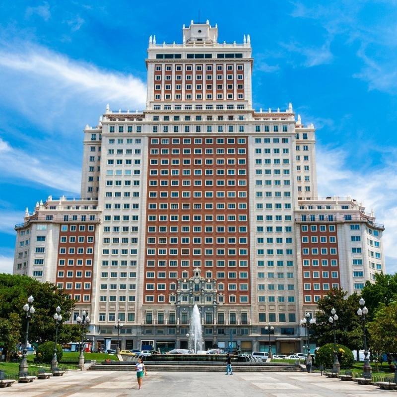El Edificio España se convertirá en el séptimo Riu Plaza.