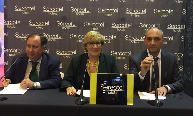 Javier Garro, Marisol Turró y Benjamín Sanz presentando los resultados de Sercotel
