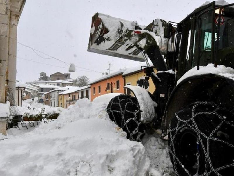 Varios muertos en un hotel de Italia tras el alud causado por los terremotos