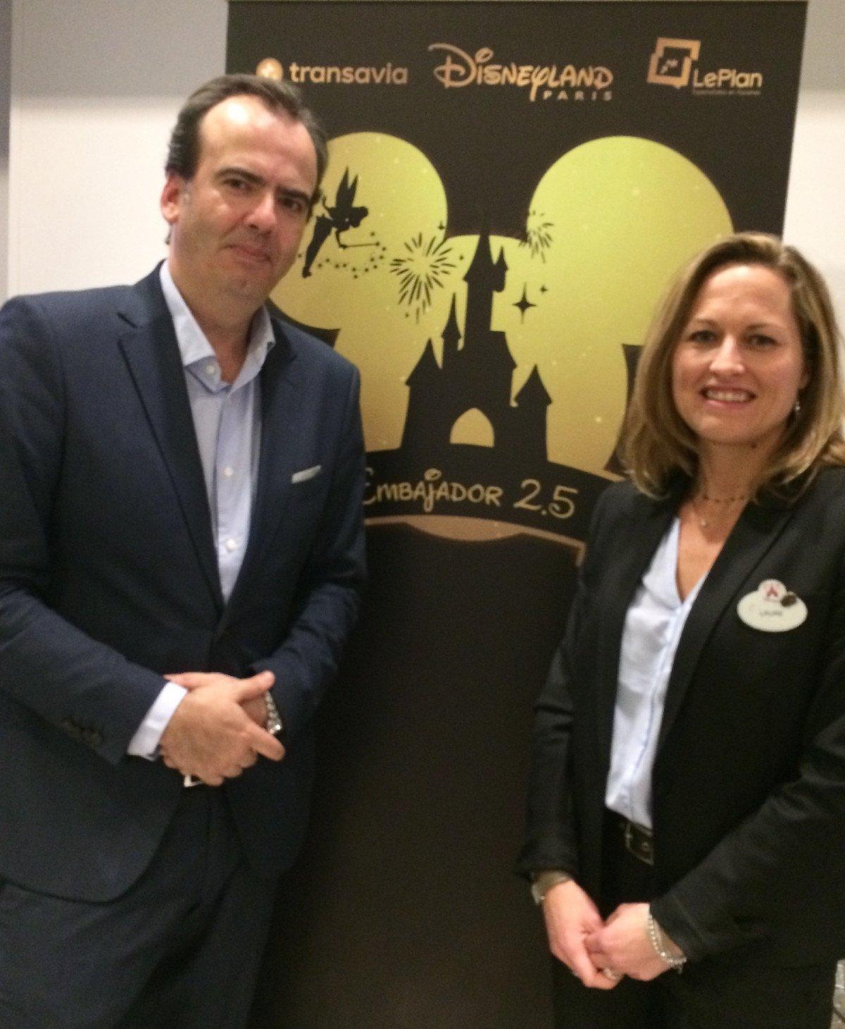 Raúl Serrano, director de LePlan, y Laure Glatron, directora general de Disneyland París para el sur de Europa.