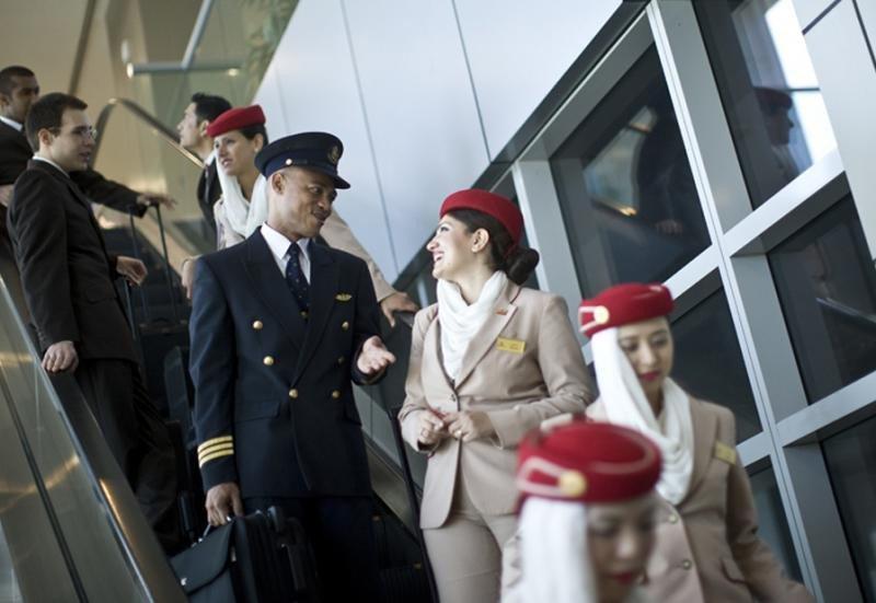 Emirates tiene personal de los siete países prohibidos.