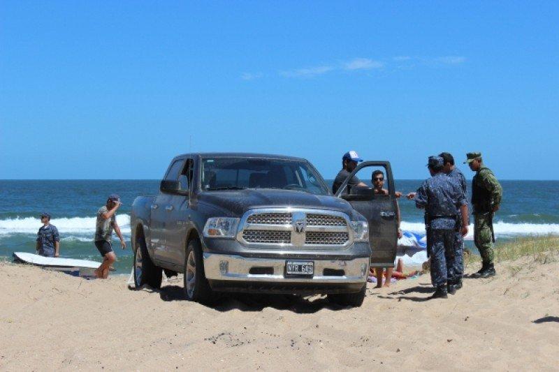 Multas para quienes ingresen con vehículos a las playas de Uruguay