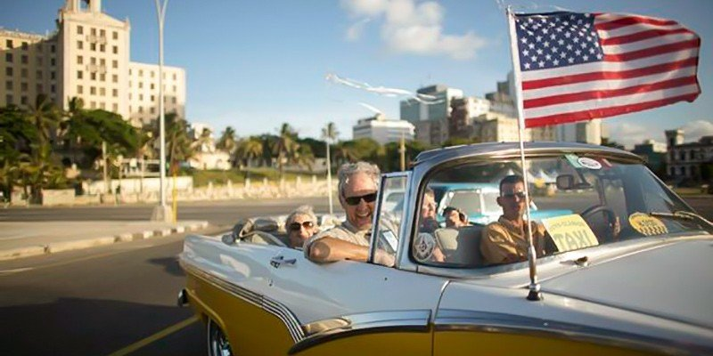 Visitantes de EEUU a Cuba crecieron un 74% en 2016