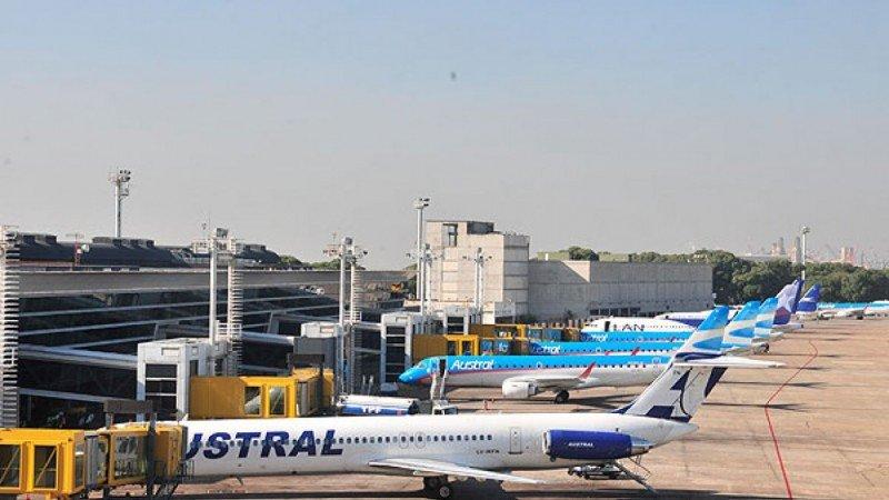Gobierno de Argentina hará un ránking de puntualidad de las aerolíneas