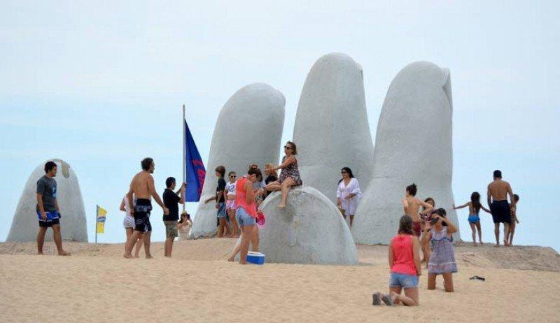 Saldo positivo de US$ 910 millones en la balanza de gasto turístico de Uruguay