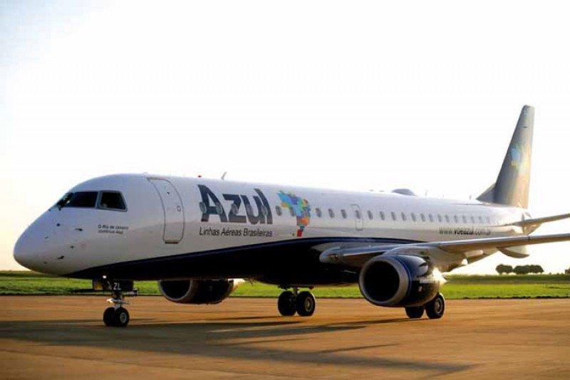 Avión Embraer 195 de Azul para 118 pasajeros.