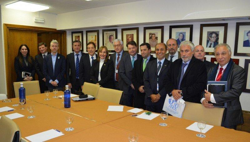 Referentes argentinos con autoridades de la OMT