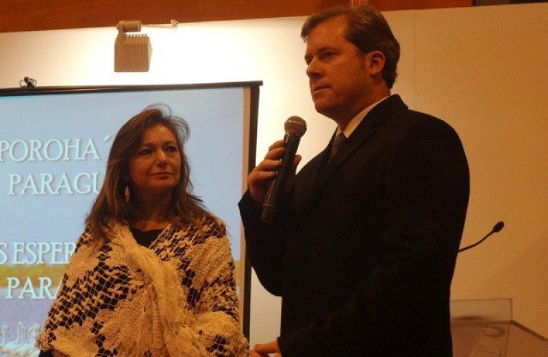 El ministro brasileño con su colega paraguaya, Marcela Bacigalupo, en la presentación de los circuitos de Rutas Jesuíticas en FITUR.