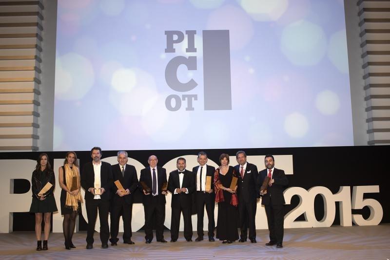 El editor de HOSTELTUR, Joaquín Molina, recogió los dos premios otorgados a esta publicación en la primera edición de los premios.