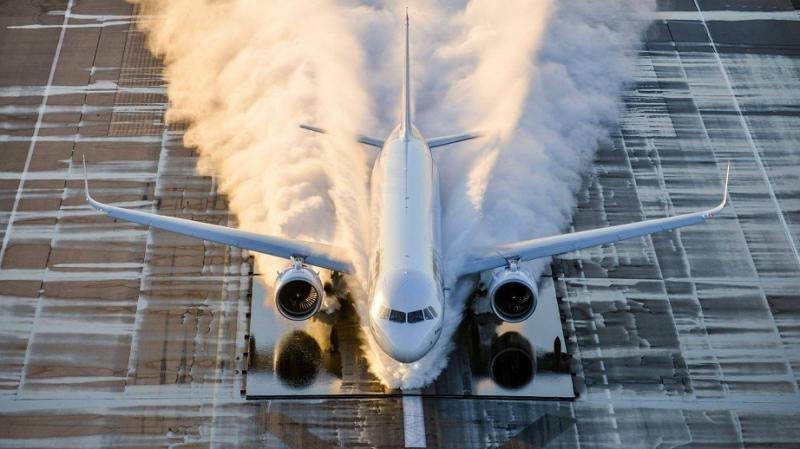 Los nueve aviones que despegarán en 2017, entre ellos, el A321neo (Foto: Airbus, V. Ricco).