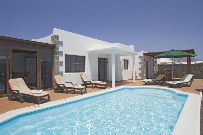 Una de las villas disponibles en el portal de España Breaks, situada en Playa Blanca (Lanzarote).