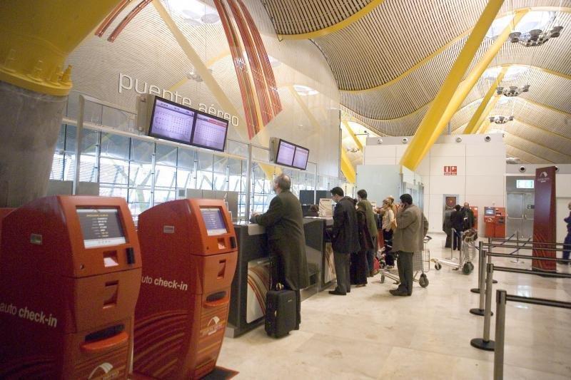 Iberia se alía con Vueling para ofrecer el puente Madrid-Barcelona.