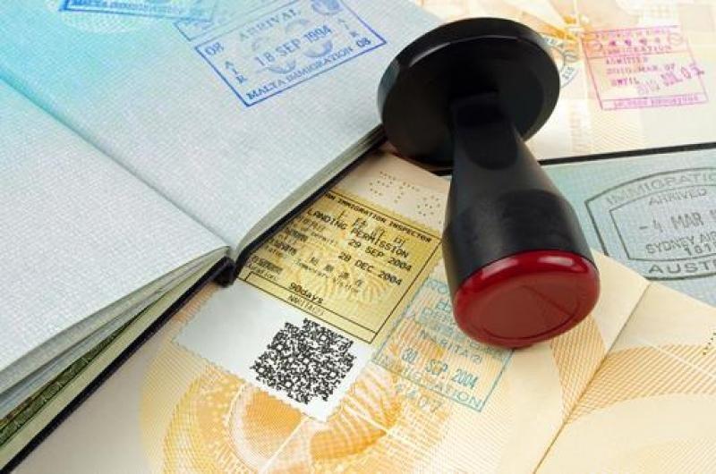 La nueva empresa que tramita la concesión de visados cuenta con una infraestructura insuficiente.