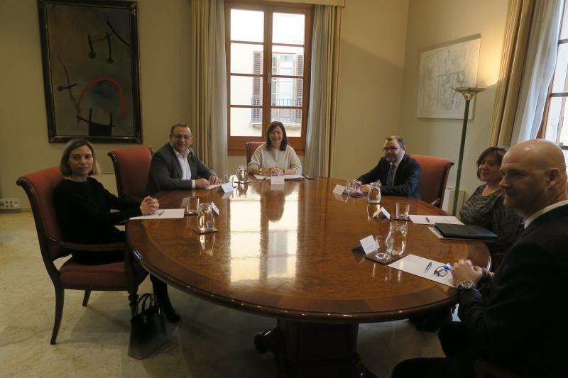 Reunión con la presidenta de Baleares, Francina Armengol.