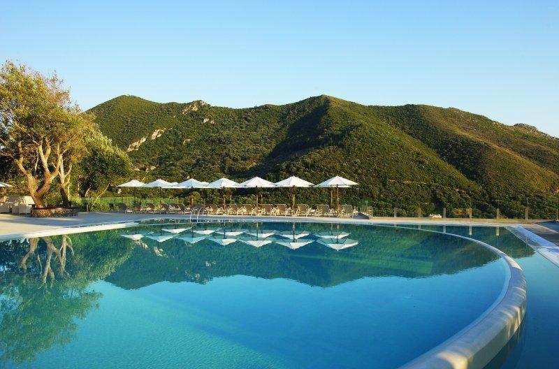 TUI Alemania registra un 41% más de reserva hacia Grecia. Foto Atlantica Grand Mediterraneo Resort Spa, en Corfu.