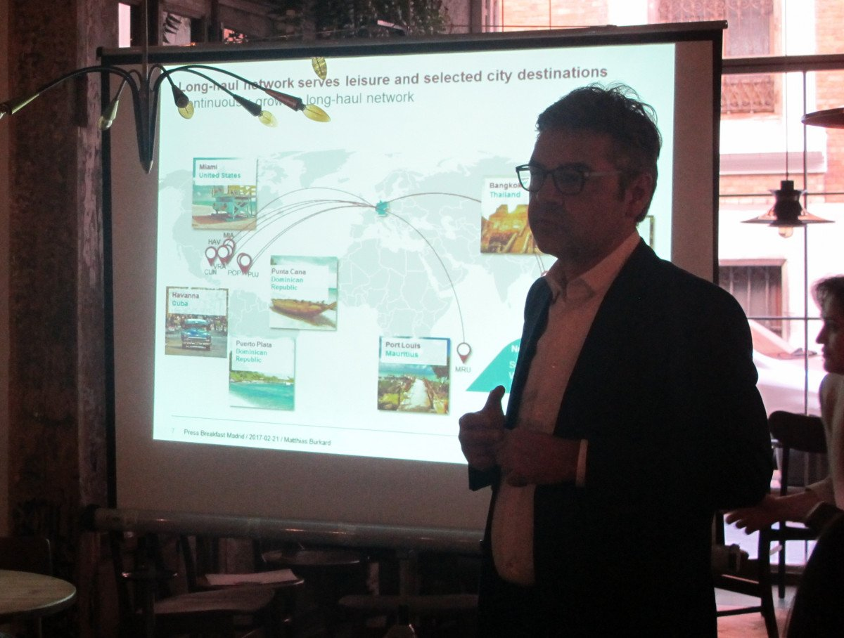 Mathias Burkard, portavoz de Eurowings en Palma España, durante la presentación que ha realizado hoy en Madrid.