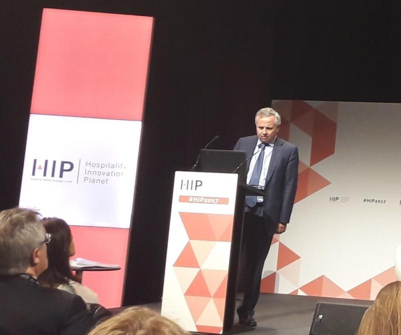 Antonio Bosch, socio de Auditoría de EY especializado en el sector hotelero, en la presentación del informe de tendencias, en el marco de la feria HIP.