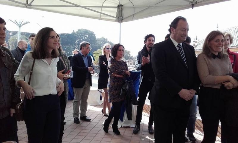 La presentación contó con la asitencia del representantes del sector, de la cultura y la economía de Sevilla.