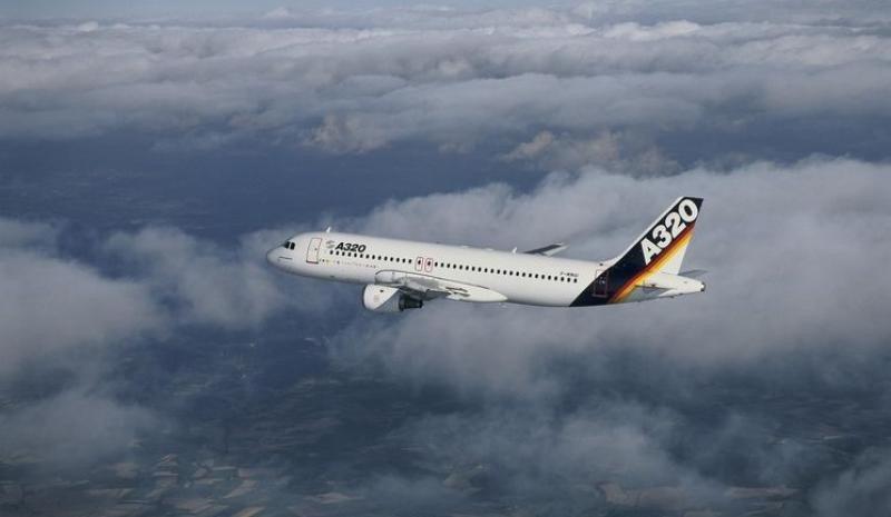 Primer vuelo del primer Airbus A320.
