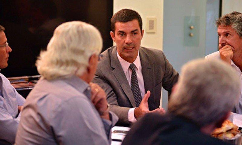 Juan Manuel Urtubey encabezó el encuentro con el sector privado.