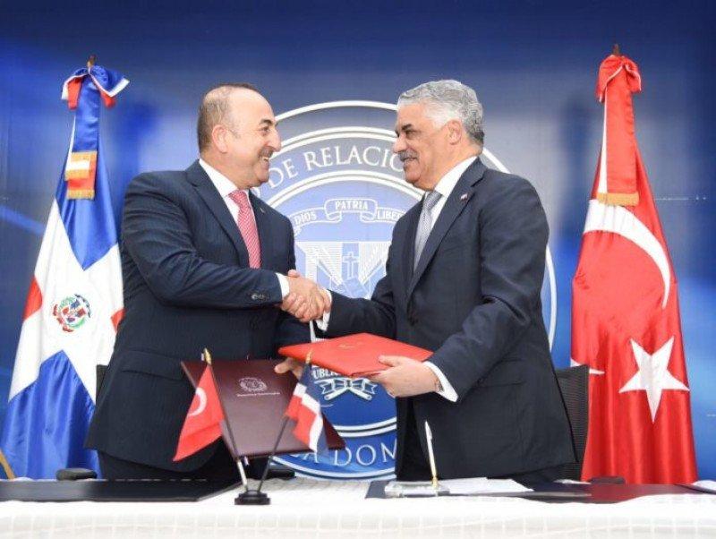 República Dominicana y Turquía firman acuerdo de cooperación en turismo