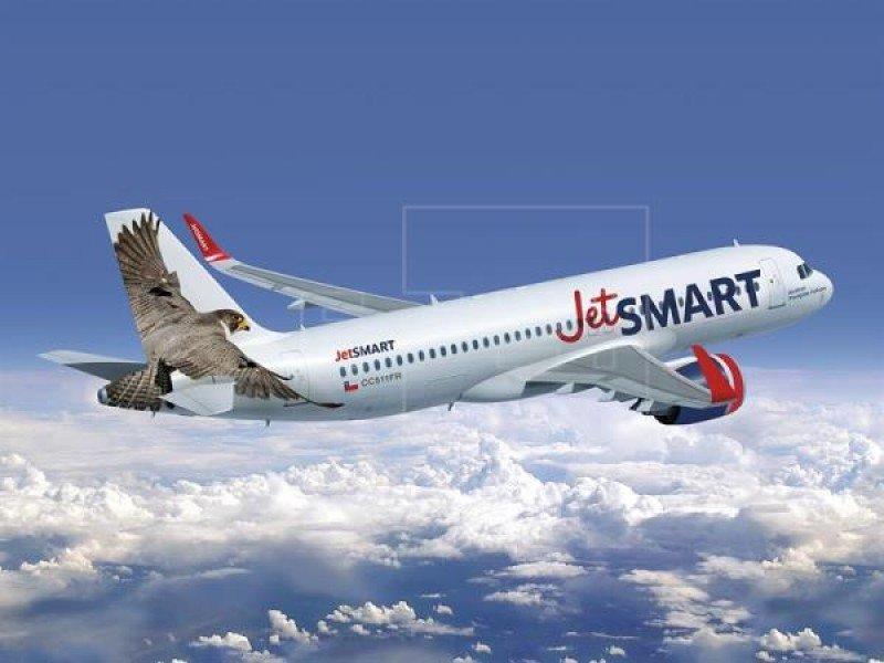 Comienza a operar en Chile nueva aerolínea JetSMART