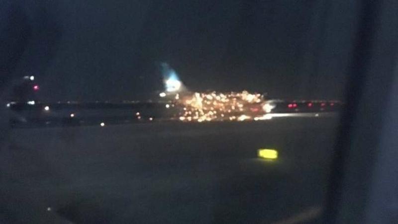 Explosión en vuelo de Aerolíneas Argentinas que despegaba de Nueva York (Imagen de Twitter)