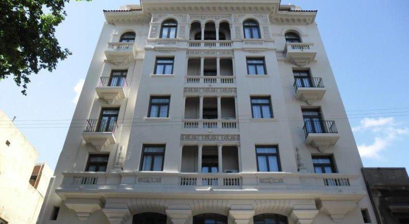 Esplendor Montevideo recupera el nombre de Hotel Cervantes