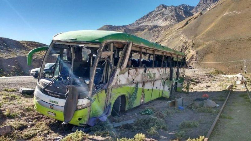 Accidente de ómnibus en Mendoza deja 19 muertos