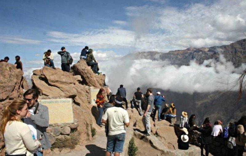 Volcán Sabancaya en Perú.