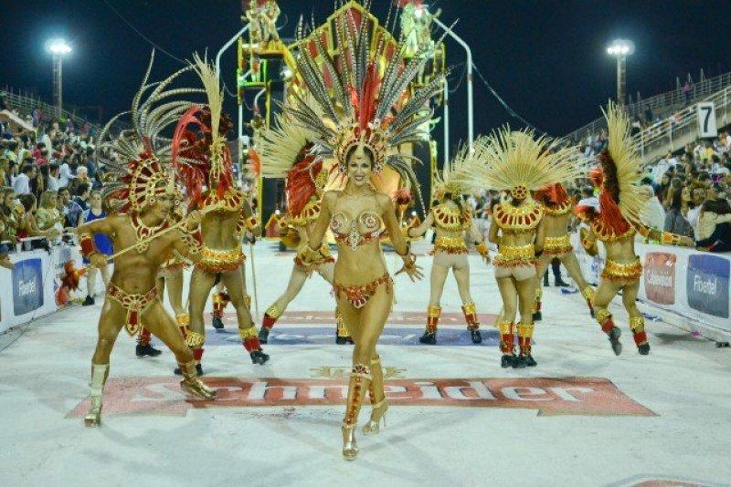 En Gualeguaychú se desarrolla el Carnaval más popular de Argentina.