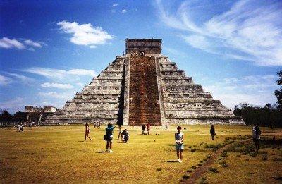 Más de nueve millones de mexicanos trabajan en el sector. (En la imagen, uno de los lugares más visitados, las ruinas de Chichen Itza).