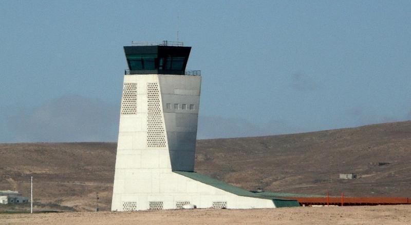 Incidentes preocupantes en aeropuertos cpon torres privatizadas. Uno de ellos, Fuerteventura, al que corresponde la imagen.