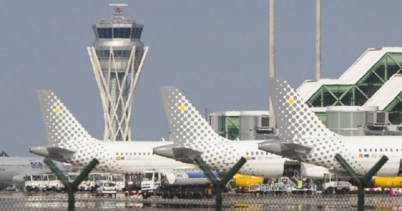Vueling cancela 24 vuelos en Francia por la huelga de controladores